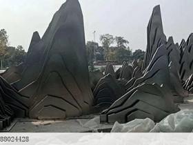 """观念雕塑艺术屏风:不锈钢""""制成""""的假山"""