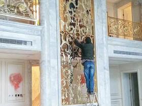 别墅内欧式不锈钢屏风护栏搭配,让室内装饰更奢华