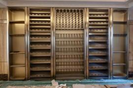 家装不锈钢酒柜设计方案、定制与安装