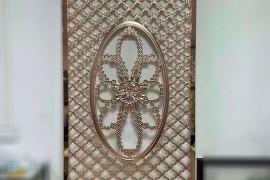 不知怎的铝板屏风菱形造型的很流行