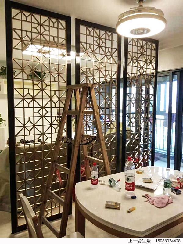客厅与餐厅不锈钢屏风隔断
