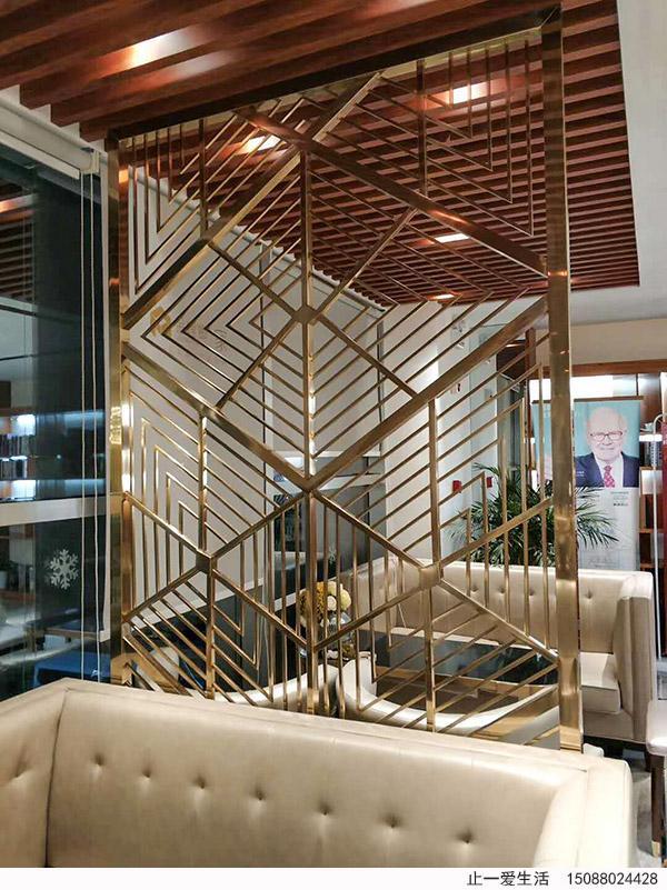 中式轻奢不锈钢屏风沙发背景墙