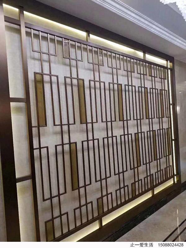 茶色玻璃镶嵌不锈钢花格的不锈钢玻璃屏风背景墙