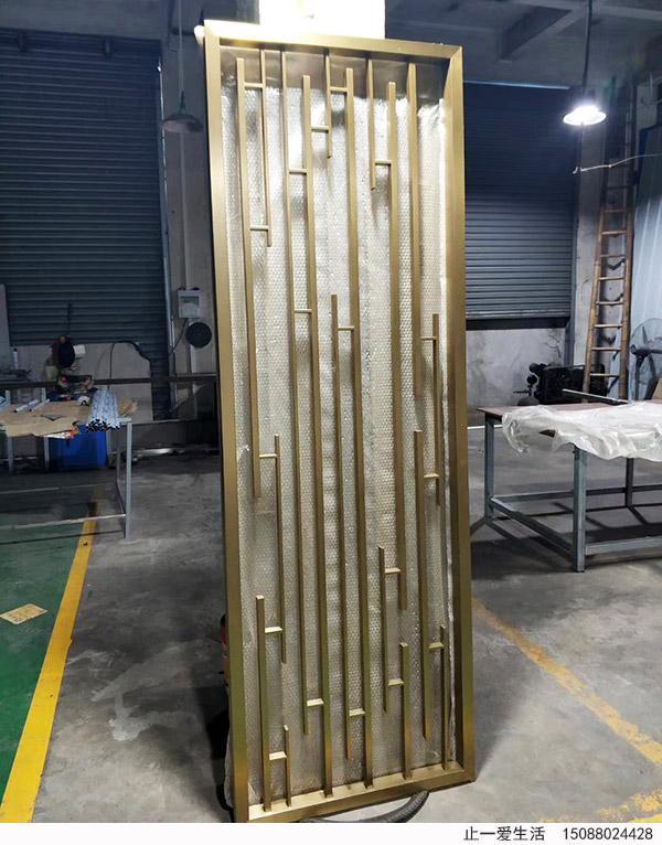 现代简约不锈钢竖条屏风厂家成品图