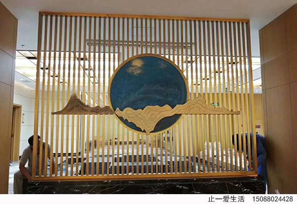 黄铜彩绘不锈钢艺术屏风,酒店大堂不锈钢屏风安装效果图