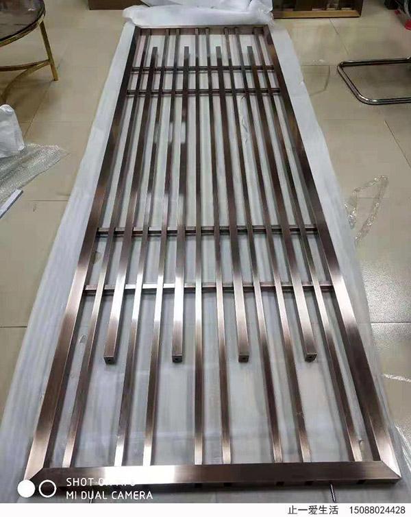 竖条造型新中式不锈钢屏风镀铜屏风