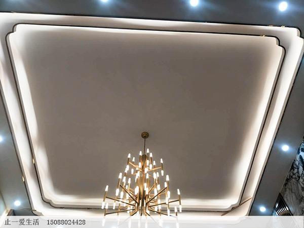 时尚家居天花板拉丝玫瑰金不锈钢装线条搭配玫瑰金简易灯饰,打造现代简奢装饰风格