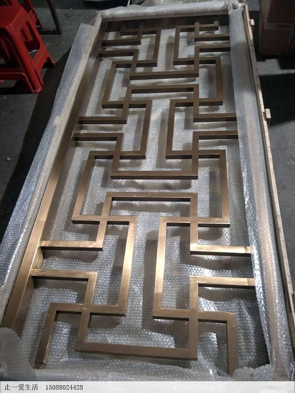 大管做的满焊万字花格不锈钢屏风