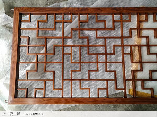 中式仿木纹不锈钢屏风隔断木纹表面效果图