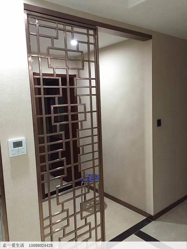 家庭进门方格造型屏风隔断实拍效果图