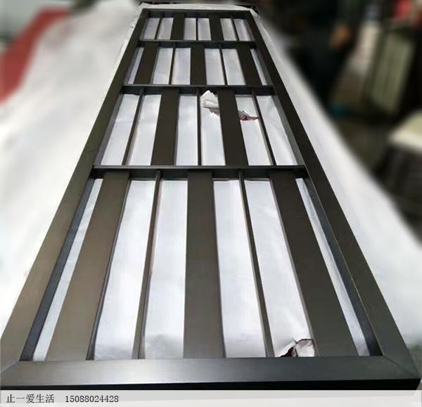 厚实的韩式不锈钢屏风