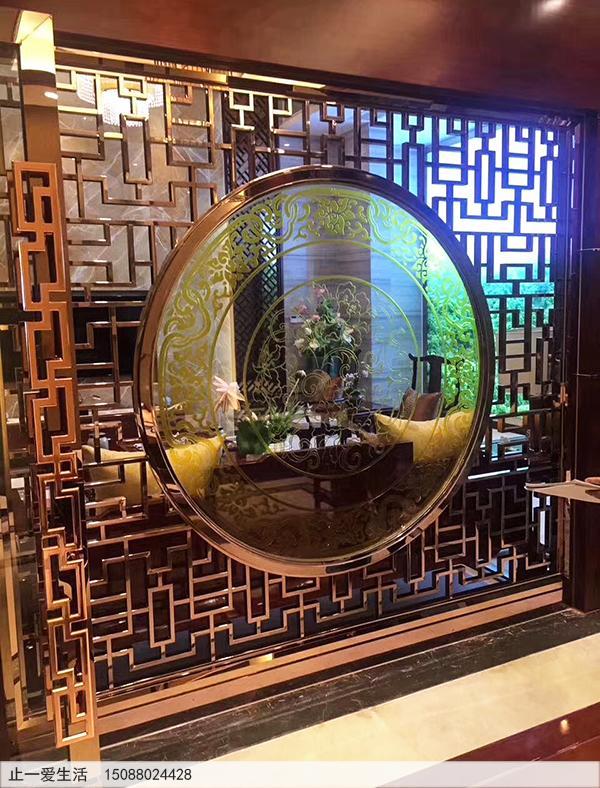 中式花格与艺术玻璃结合图片