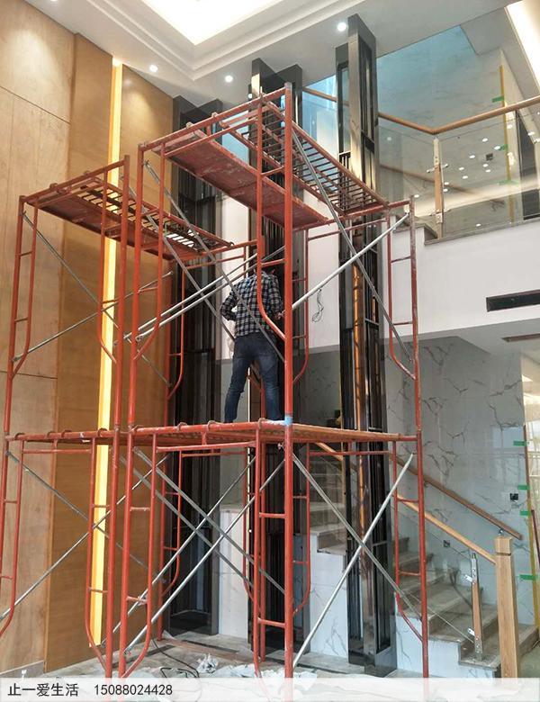 广州别墅6米高屏风固定现场图片