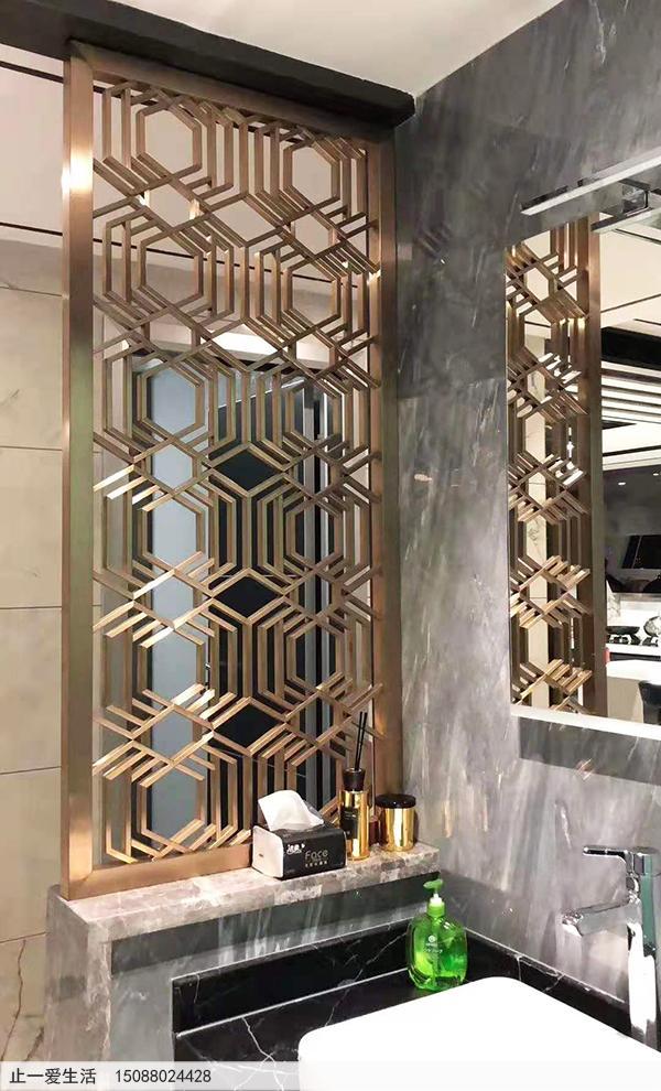 家居洗手间拉丝玫瑰金不锈钢屏风隔断安装效果图