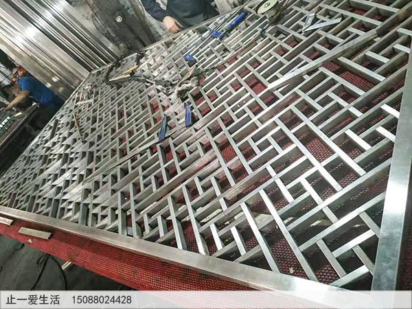 不锈钢方管焊接的不锈钢花格屏风