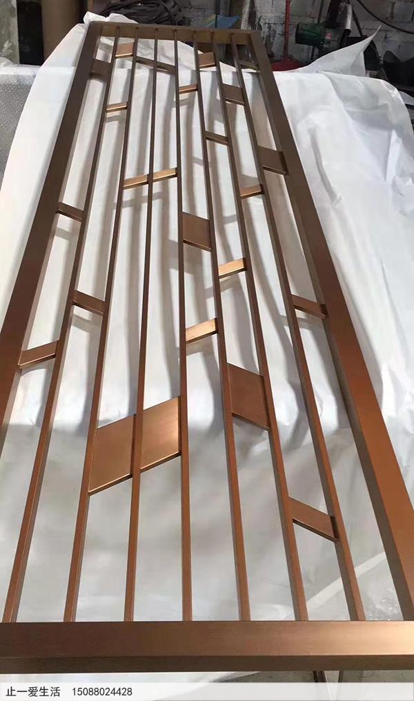 拉丝玫瑰金不锈钢方管焊接屏风成品图