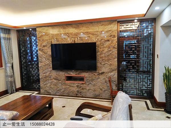 古铜中式不锈钢花格电视墙安装效果图