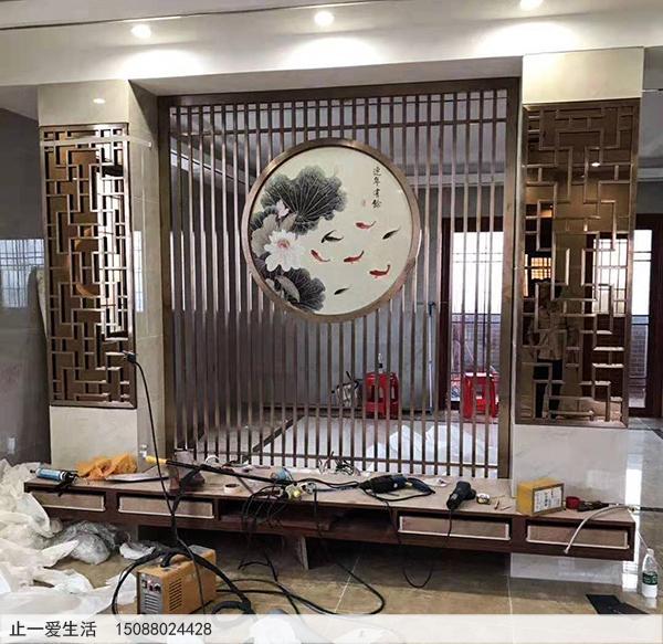 古铜不锈钢花格电视墙