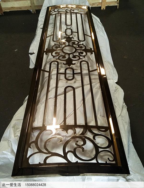 不锈钢板激光镂空的镜面玫瑰金屏风,弧形的玫瑰金屏风厂家成品图