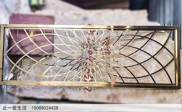 镜面不锈钢板激光镂空的太阳花造型屏风