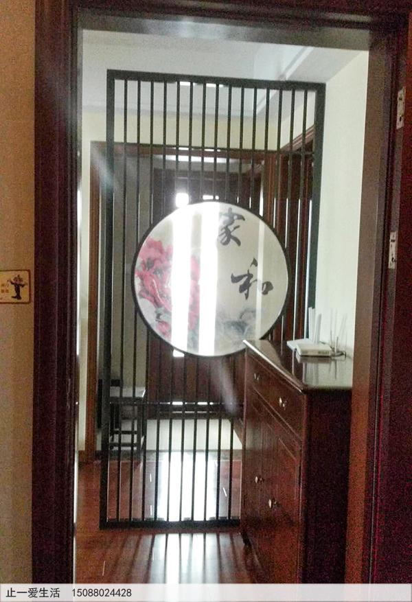中间设计圆圈带有艺术玻璃的家居进门不锈钢屏风,简约新中式屏风隔断2