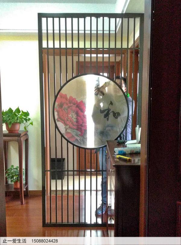中间设计圆圈带有艺术玻璃的家居进门不锈钢屏风,简约新中式屏风隔断