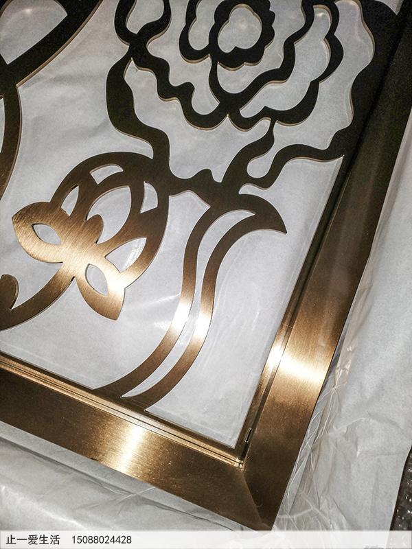 不锈钢板激光镂空的不锈钢屏风边框拼接工艺效果图