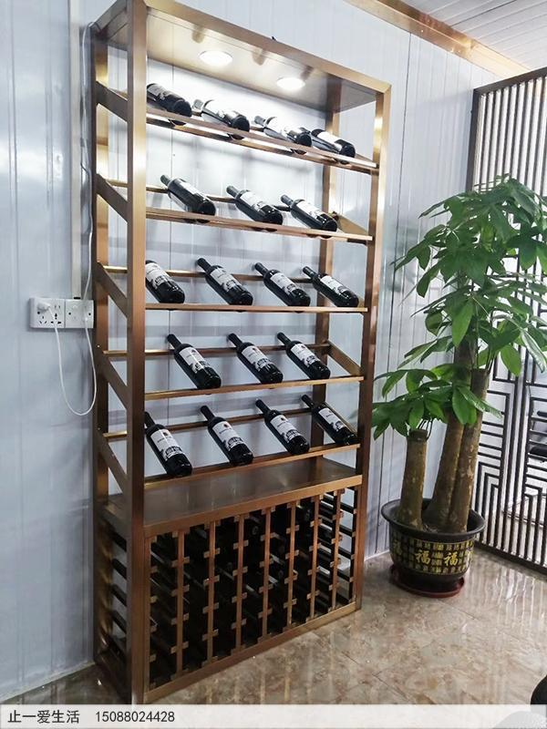 客厅不锈钢红酒酒架装饰