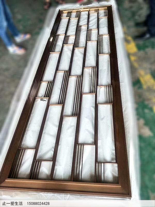 简单的拉丝玫瑰金竖条屏风,不锈钢方框中式风格造型