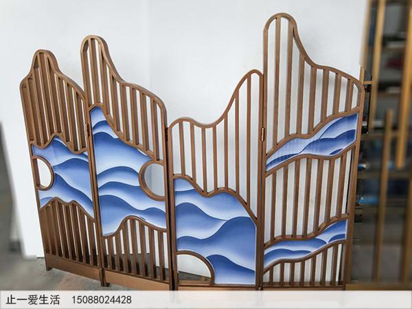 玫瑰金不锈钢四扇折叠艺术玻璃屏风图片3——阴天下的山峦.