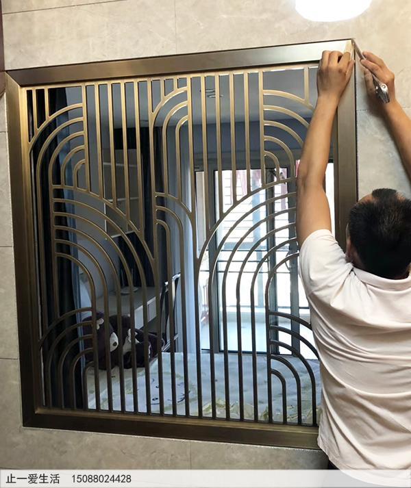 现代风格的青古铜不锈钢屏风