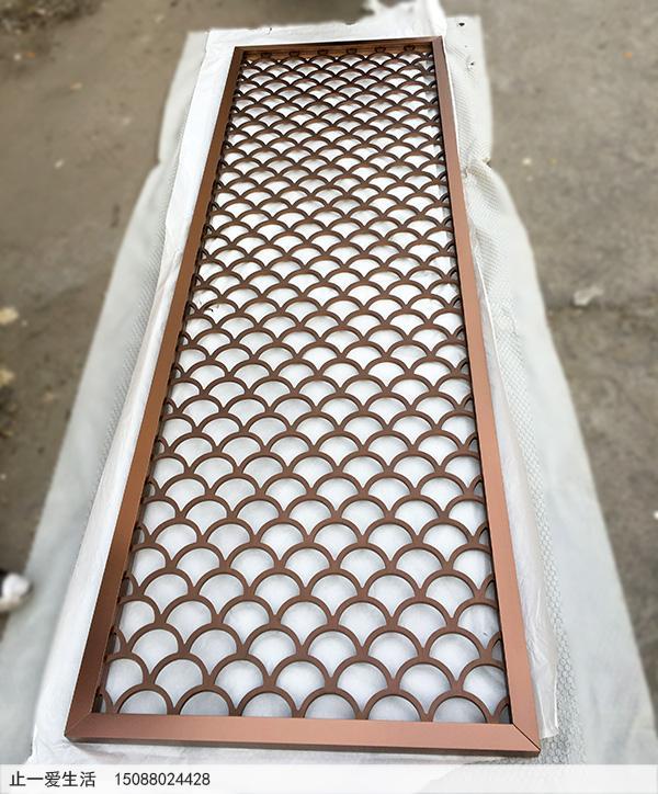 中式不锈钢屏风图片——古铜色鱼鳞花格