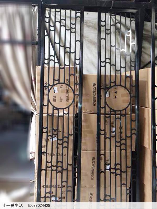 中式不锈钢屏风图片——拉丝黑钛圆圈不锈钢屏风