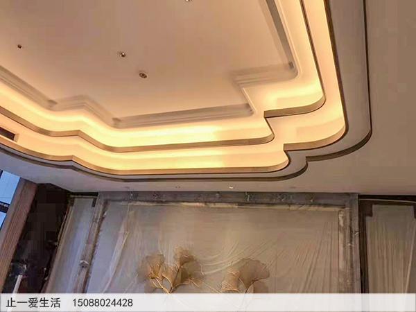 青古铜吊顶不锈钢装饰条安装好实拍效果图