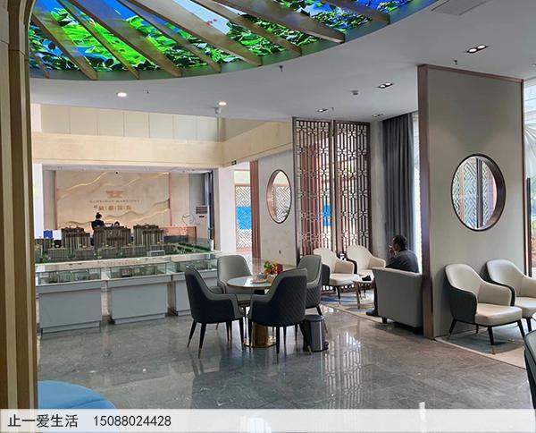 售楼部不锈钢装饰屏风隔断设计-沙盘展销区青古铜不锈钢屏风隔断效果图