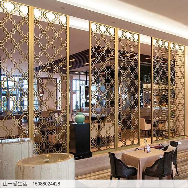 金色的不锈钢屏风茶餐厅装饰效果图