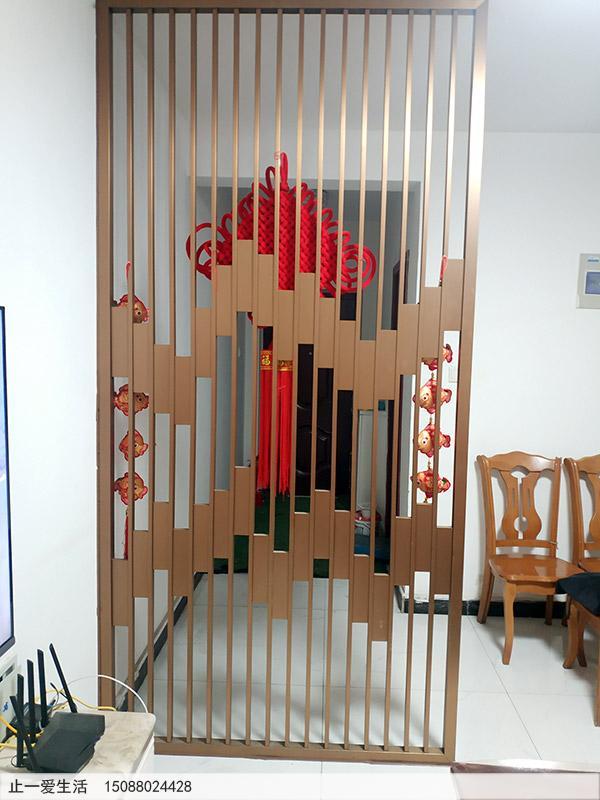 家装进门玄关拉丝玫瑰金简约不锈钢屏风隔断效果图