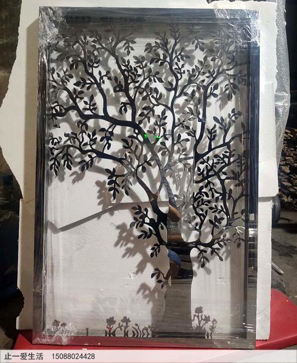 带灯光的树形不锈钢镂空花格加工半成品图