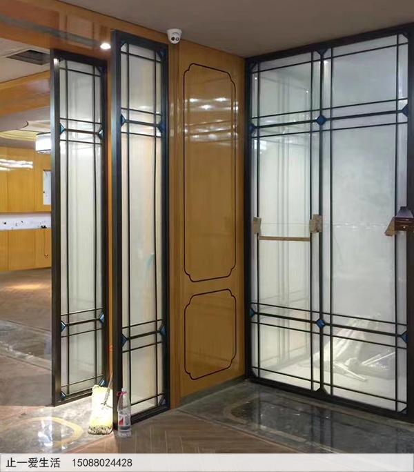 办公室现代轻奢不锈钢夹絮玻璃屏风隔断效果图