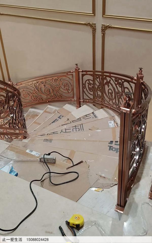 重庆别墅红古铜铝雕楼梯护栏安装图片分享4