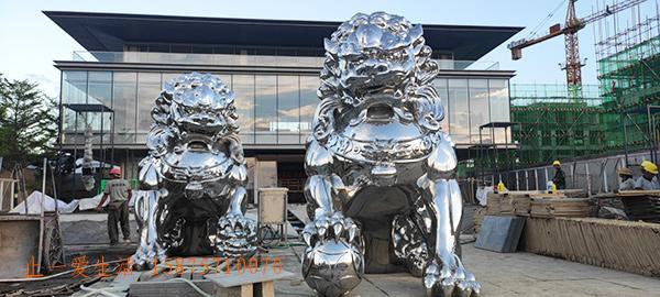 狮子造型不锈钢雕塑图片