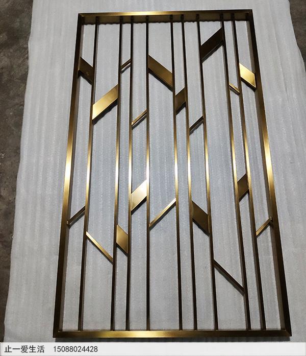 玄关柜上的现代简约不锈钢屏风隔断生产厂家实拍图