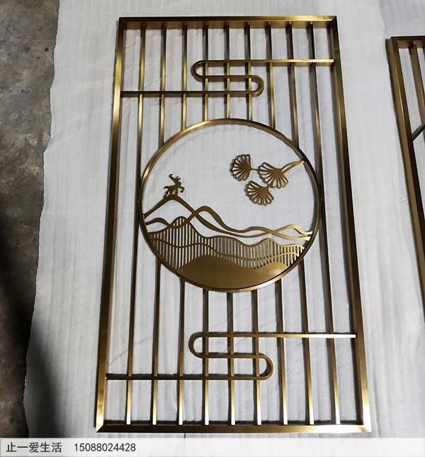 玄关柜上的现代轻奢不锈钢屏风隔断生产厂家实拍图
